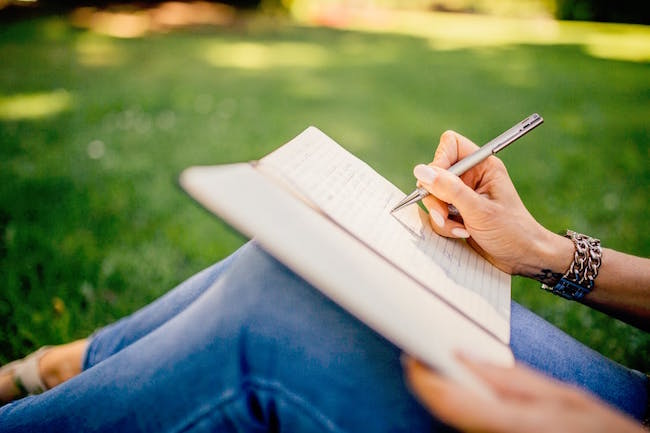 How to Start Writing a Book: 5 Tips for Turning Your Idea Into a Work of Art