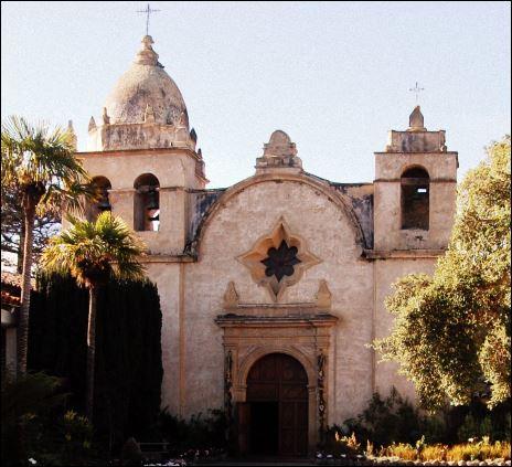 Photo of the California mission San Carlos Borromeo de Carmelo.